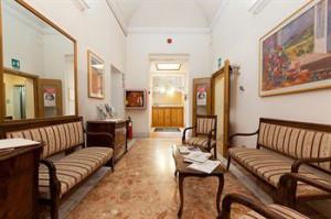 Rome-Italy-Hotel-Comfortable-4_4RO