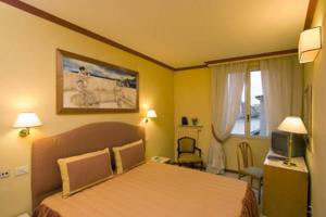 1071 Comfortable (3-star) Hotel Florence 5RO