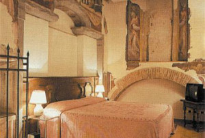11 Comfortable (3-star) Hotel Florence 3RO