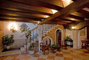 Venice-3-star-Hotel-7RO-ID-280-Santa-Croce