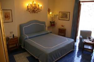 3-Star-Amalfi-Coast-Hotel-ID-454-Positano-6