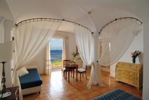 First-Class-Amalfi-Coast-Hotel-ID-968-Positano-6